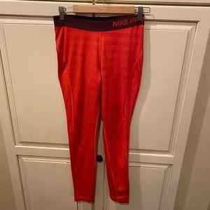 Nike pro dri-fit athletic leggings red striped m